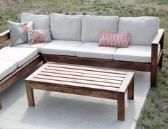 Ana White Build a Outdoor Coffee Table Free and Easy DIY Project and Furniture Plans Outdoor Couch, Outdoor Coffee Tables, Diy Coffee Table, Diy Table, Outdoor Wood Table, Outdoor Pallet, Outdoor Seating, Coffee Mugs, Pallet Patio Furniture