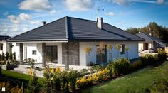 These stunning designs show you just how much variation is possible with single storey homes. Brick House Designs, Modern House Design, House Color Schemes, House Colors, Bungalows, Small Cottages, One Story Homes, Storey Homes, House Paint Exterior