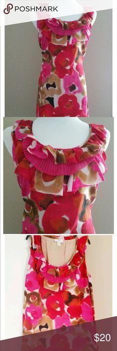 Ann Taylor LOFT Floral dress size MEDIUM Ann Taylor LOFT Floral Ruffle nackline dress size MEDIUM Ann Taylor Dresses