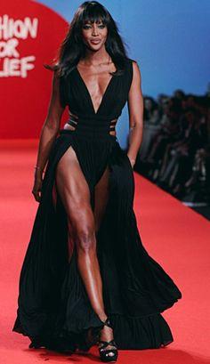 Do the Naomi Campbell walk, Naomi Campbell walk. Walk across the room like Naomi Campbell! Fashion Models, High Fashion, Fashion Show, Rihanna Fashion, Naomi Campbell, Beautiful Black Women, Beautiful People, Beautiful Rocks, Mode Disco