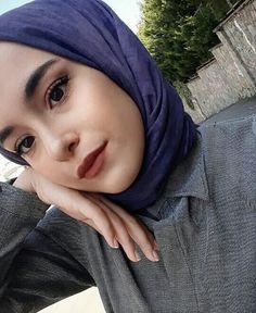 Instagram Girl Photo, Instagram Girls, Ulzzang Fashion, Hijab Fashion, Ace Family, Girl Trends, Arab Girls, Fake Girls, Selfie Poses