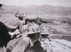 Pin by Paolo Marzioli. Viet Minh soldiers manning a French Reibel machinegun. Viet Minh troops really liked French equipment for two main reasons : they didn't have much supplies and enjoyed the quality of captured firearms. Eastern European, Soviet and Chinese weapons...