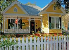 Love this bright yellow victorian cottage Yellow Cottage, Cozy Cottage, Cottage Homes, Cottage Style, Cottage Living, Yellow House Exterior, Cottage Exterior, House Paint Exterior, Victorian Farmhouse