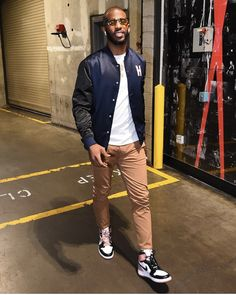 Nba Fashion, Streetwear Fashion, Fashion Outfits, Mens Fashion, Jordans Outfit For Men, Dope Outfits For Guys, Stylish Men, Men Casual, Jordan Outfits
