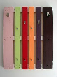 Come realizzare attaccapanni fai da te idee creare appendiabiti in legno rami pallet grucce ferro riciclo consigli attaccapanni design originale foto idee