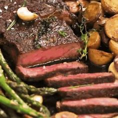 healthy dinner recipes videos Steak dinner ideas videos easy recipes for dinner steak recipes pan seared garlic butter steak marinade easy simple Steak Recipes Pan, Steak Dinner Recipes, Skirt Steak Recipes, Easy Dinner Recipes, Meat Recipes, Easy Meals, Cooking Recipes, Recipe For Steak, Healthy Steak Dinners