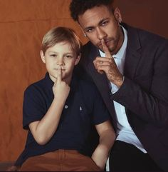 Father- the smexy bad boy Son- going to be a choco boy Davi is gonna be a choco boy for sure! Neymar Jr, Neymar Football, Wonder Boys, Pin Pics, Blonde Guys, Bad Boys, Love Of My Life, Bae, Idol