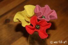 I'm gonna make a whole bouquet of Wee Folk Art's Stemmed Flowers!  Felt Poppies at Wee Folk Art.