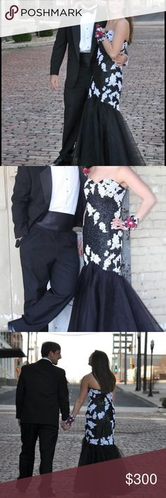 Black and White Prom Dress Size 6/8, I loved my prom dress and it's looking for another great night out! From a smoke free home! BRAND: Jovani Size: 10, Fits a 6/8 From Bridal Elegance! Dresses Prom