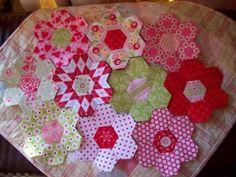 The Vignette Hexagon Quilt: July 2011