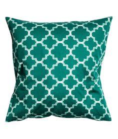 Katso! Tyynynpäällinen painokuvioista puuvillakangasta. Piilovetoketju.  – Käy hm.comissa katsomassa lisää.