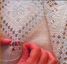 Hardanger Embroidery So delicate! Which is why I LOVE hardanger. Types Of Embroidery, Ribbon Embroidery, Embroidery Patterns, Hardanger Embroidery, Cross Stitch Embroidery, Broderie Bargello, Drawn Thread, Rico Design, Lacemaking