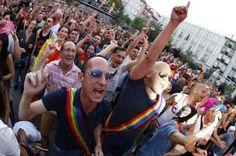 El Orgullo Gay tendrá un blindaje policial mayor que la coronación de Felipe VI. La amenaza antiterrorista [sic] y los incidentes que pueda haber en Madrid con la llegada de más de dos millones y medio de personas fuerzan a Interior a traer unidades de ot http://produccioneslara.com/pelicula-polleros.php
