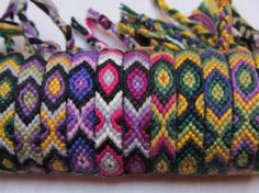 DIY - friendship bracelets (cotton) - all kind of colours and patterns Kinds Of Colors, Colours, Jewelry Knots, Leather Wristbands, Color Stripes, Friendship Bracelets, Upcycle, Creations, Weaving