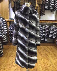 Long Fur Coat, Fur Coats, Love Fashion, Winter Fashion, Womens Fashion, Chinchilla Fur Coat, Fur Coat Fashion, Cool Style, Leather