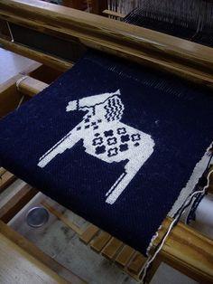 Handwoven double weave (Dalahast)