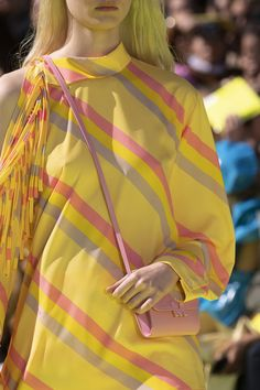 Msgm at Milan Fashion Week Spring 2020 - Details Runway Photos Msgm, Milan Fashion, Bandana, Runway, Sari, Detail, Photos, Spring Summer, Feminine