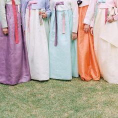 Effortlessly Elegant Spring Wedding in South Korea Summer Wedding Colors, Spring Wedding, Wedding Designs, Wedding Styles, Korean Summer, Korean Wedding, Wedding Inspiration, Wedding Ideas, Wedding Stuff