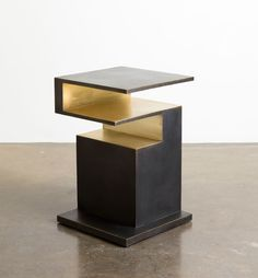 WORK – MVW XIANGSHENG II SIDE TABLE |