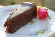 Nugattikake – saftig hasselnøtt og sjokoladekake Nigella Lawson, Nutella, Muffins, Pudding, Favorite Recipes, Sweets, Chocolate, Desserts, Food