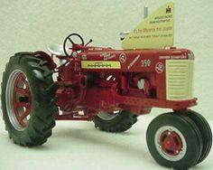 116 Farmall 560 with 5 Bottom Plow Farmall modeltractor