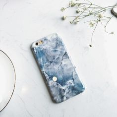 We have a range of BEAUTIFUL Marble iPhone Cases!! Ah, I love this one! 😍😍😍