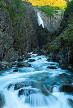 Månafossen (Moon Falls) Norway [OC][1013x1500]