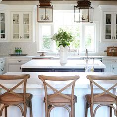 Nothing makes me happier than when my three kiddos sit together at this counter for breakfast. With two in college it doesn't happen very often anymore, but a momma can dream, right!? • • • • #kitchendesign #farmhousekitchen #cottagestyle #interiordesign #kitchenremodel #interiordecor #dreaminteriors #homeinspiration #charminghomes #kitcheninspo #kitchenisland #whitekitchen #houzz #kitchencabinetlove #kitchencabinets