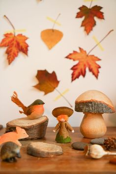 3-dic-2016 - In most nursery and early-years classrooms in the Netherlands you will find a corner set up to celebrate the seasons. In autumn it will be decorated with leaves, nuts and mushrooms, and children are welcome to play with it and decorate it with things they have found in nature. Also I grew up with the concept of 'the se… Early Years Classroom, Autumn Table, Fall Preschool, Play Table, Nature Table, Autumn Nature, Manzanita, Waldorf Toys, Homemade Toys