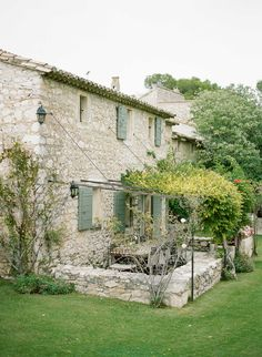 Provence destination wedding by (c) Greg Finck French Cottage, French Country House, French Farmhouse, Farmhouse Garden, Outdoor Rooms, Outdoor Gardens, Outdoor Living, Beautiful Homes, Beautiful Places