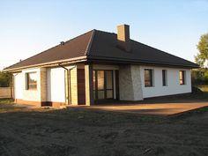Одноэтажный удобный дом с фронтальным гаражом, с возможностью обустройства мансарды. Style At Home, Beautiful Homes, Gazebo, House Plans, Sweet Home, Photo Wall, Outdoor Structures, House Design, Cabin