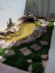 jardin pequeño con fuente