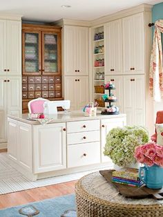 (Jenni) Lovely. I love flowers in a crafting space! #Organization #Sewing CraftRoom #SewingRoom