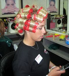 Dan's girlfriend insisted on him sending pics of him at the salon. he loved his new blonde highlights and couldn't wait to show her. Wet Set, Hot Rollers, Retro Lingerie, Bobe, Roller Set, After Life, Thats The Way, Curlers, Beauty Shop