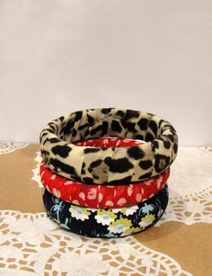 Bettyjoy tutorials: Fabric covered bangles