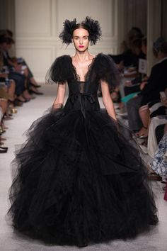 Marchesa Spring 2016 Ready-to-Wear Collection Photos - Vogue