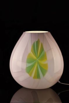 Good Elegant And Simple At The Same Time, This Table Lamp Fits   Also Thanks To
