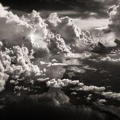 Nuvens sobre um dos arquipélagos da Indonésia.