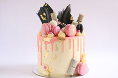 In this tutorial I demonstrate how to make this pretty pink, gold, black and white loaded drip cake. For more dessert inspiration and for tutorial sneak peek...