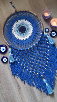 Crochet Dreamcatcher Pattern Free, Crochet Earrings Pattern, Crochet Mandala Pattern, Doily Patterns, Macrame Patterns, Crochet Patterns, Crochet Crafts, Crochet Yarn, Disney Diy Crafts