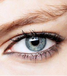 Makeup Eyeshadow | Best Crayon Eyeliner | Aye Liner 20190613 #EyelinerShapes #EyelinerTricks #HowToDoEyeshadow Eyeliner Hacks, Smudged Eyeliner, Waterline Eye Liner, Makeup Tutorial Eyeliner, Brown Eyeliner, Eyeliner Styles, Eye Makeup Tips, Makeup Eyeshadow, Eyeliner Pencil