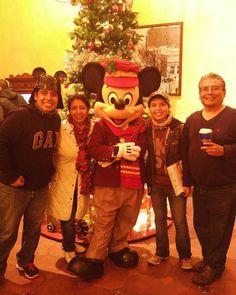 Ya casi de salida y sin querer nos encontramos a Mickey
