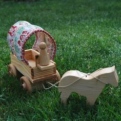 Matryoshka Caravan Wagon W/ Horse And Driver
