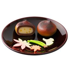 可愛らしい栗のおまんじゅうと干菓子を入れて。【山苞 3箱セット】