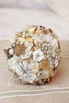 Custom made exclusive Brooch bouquet by Viktoria Novak | www.viktorianovak.com.au