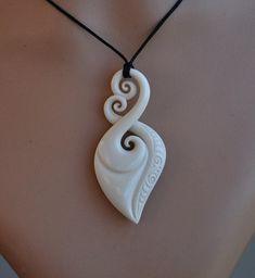Maori amour & symbole éternel de liaison ~ sculpté à la main pendentif en os ethnique