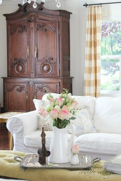 FRENCH COUNTRY COTTAGE: Summer Living Room