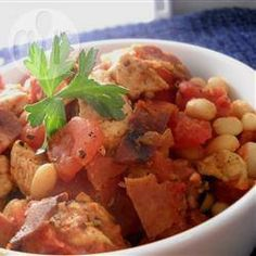 Easy and Delicious Slow Cooker Cassoulet - This recipe would also work well with Duck and/or Rabbit Best Slow Cooker, Crock Pot Slow Cooker, Crock Pot Cooking, Slow Cooker Chicken, Slow Cooker Recipes, Crockpot Recipes, Chicken Recipes, Cooking Recipes, Healthy Recipes