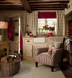 Interior & Garden Design Ideas Beautiful Home Design - cottage kitchens Red Cottage, Cozy Cottage, Country Cottage Living Room, Brick Cottage, Cottage Windows, Cottage Ideas, Shabby Cottage, Cottage Homes, Interior Garden