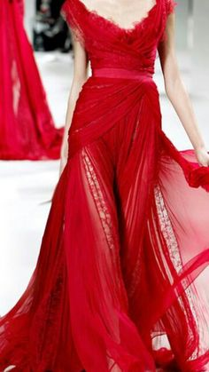 Red hot flowing gown ♥